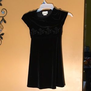 Girls black dress with flower embroidery size 7
